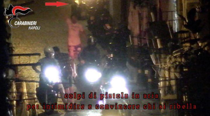 Napoli, 45 arresti, anche minori usati nel market della droga