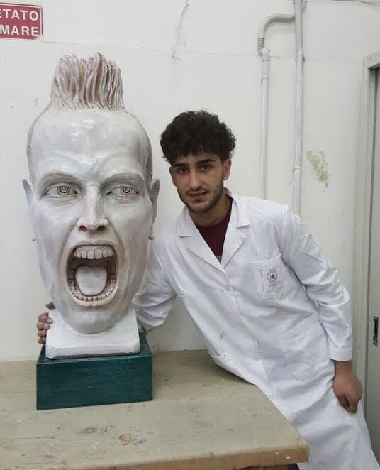 Mugnano, giovane realizza statua di Hamsik e vince premio nazionale