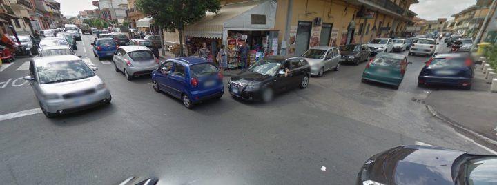Giugliano, tratto via degli Innamorati chiuso per lavori: traffico in tilt