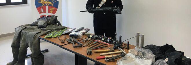 Napoli, scoperta dai carabinieri base operativa della banda del buco