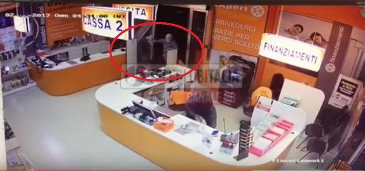Furto da Expert a Villaricca: ecco il video del raid