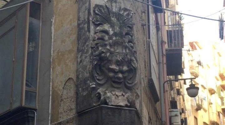 Napoli senza mare, l'altare al Dio Bafometto
