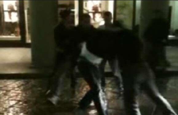 Napoli, pestano a sangue 47enne e se ne vantano su Facebook. Arrestati tre ragazzi