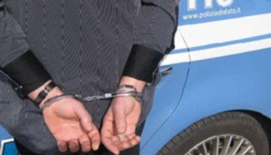 Quartieri Spagnoli, accoltella 18enne che passeggiava con la ragazza: arrestato 16enne