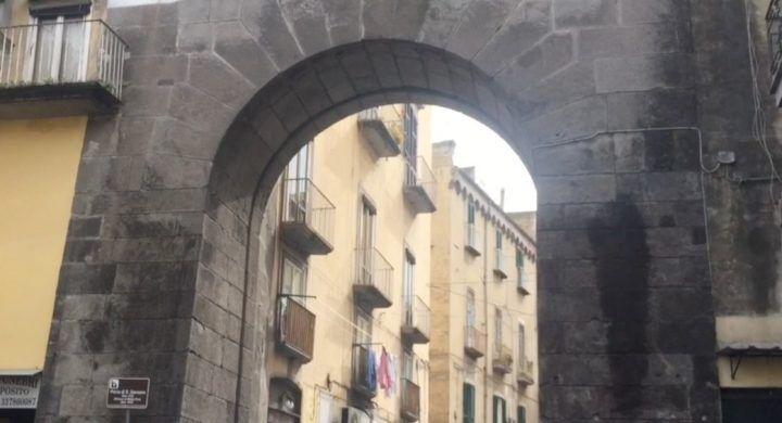 Napoli senza mare, conosciamo la porta di San Gennaro