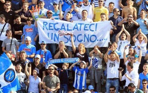 Napoli, sfida col Real: la carica dei tifosi