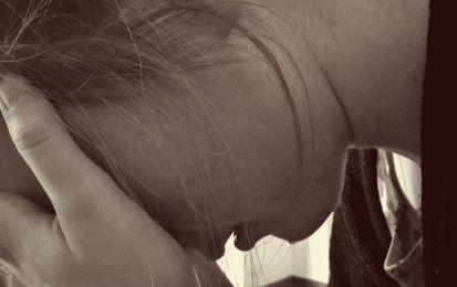 Salerno, costretta a praticare sesso orale: 14enne violentata in una casa famiglia