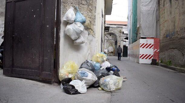 Mugnano, rifiuti in strada: ecco cosa pensano i cittadini