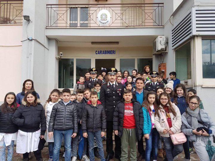 Legalità, bambini in visita ai Carabinieri di Giugliano