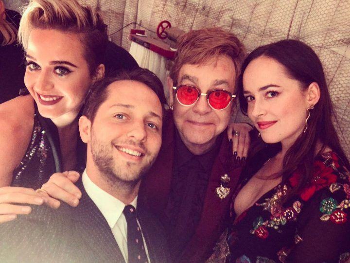 Elton John per i suoi 70 anni sceglie gli occhiali della giuglianese Apro