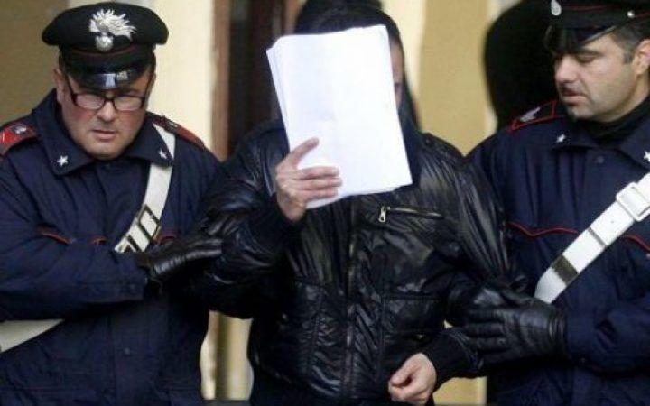 Afragola, imprenditore costretto a dire il falso al pm: due arresti nel clan Moccia