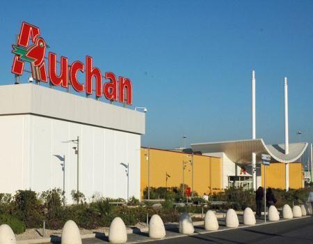 Giugliano, colpo sventato all'Auchan. Due finiscono in manette