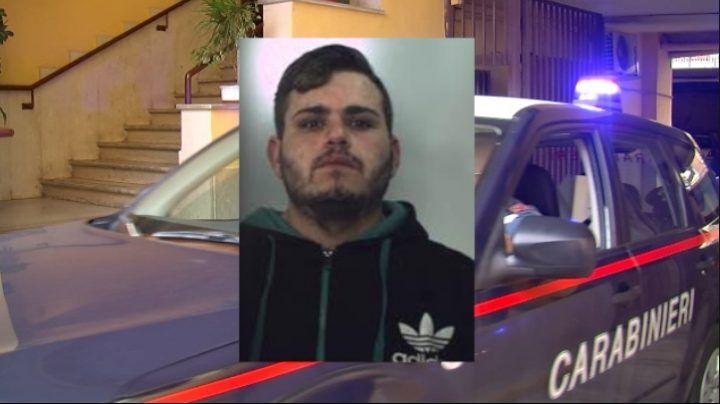 Aversa, rapinò due minori con un coltello fuori alla metro: arrestato 24enne