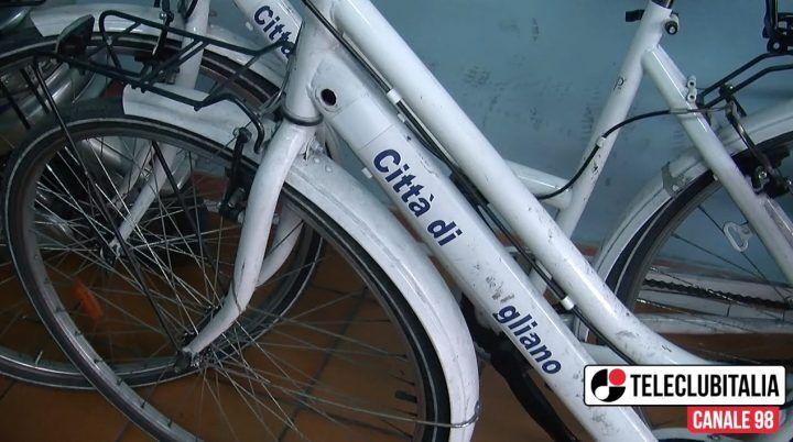 """Giugliano, caso bici ausiliari del traffico. """"Rubate a Pomigliano? Falso, sono nostre"""""""