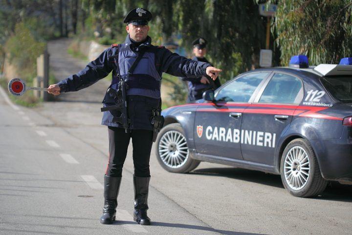 Palma Campania, Hashish, cocaina e 2400 euro in un marsupio. Arrestato 35enne