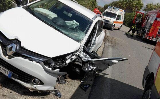 Battipaglia, ha un infarto mentre guida: fa un incidente e muore