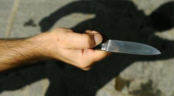 Macerata Campania: gli tolgono i figli, uomo si presenta alla scuola materna armato di coltello