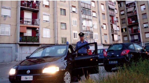 Napoli, blitz dei carabinieri al Rione Traiano. Arrestati due spacciatori di cocaina