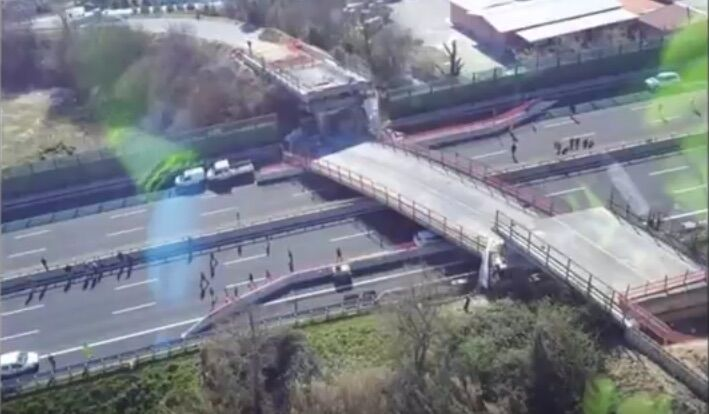 A14, crolla ponte: morta coppia di coniugi. Autostrada chiusa. VIDEO