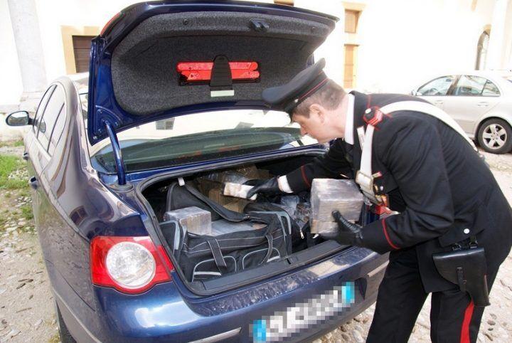 Droga nascosta in auto, in manette 46enne di Marano