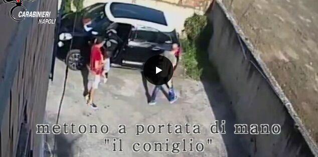 """Estorsioni e spaccio nel Vesuviano, otto arresti. """"Il coniglio"""" messaggio in codice per le armi"""