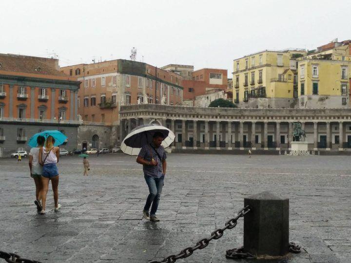 Meteo Napoli 31 marzo-2 aprile: domenica pioverà