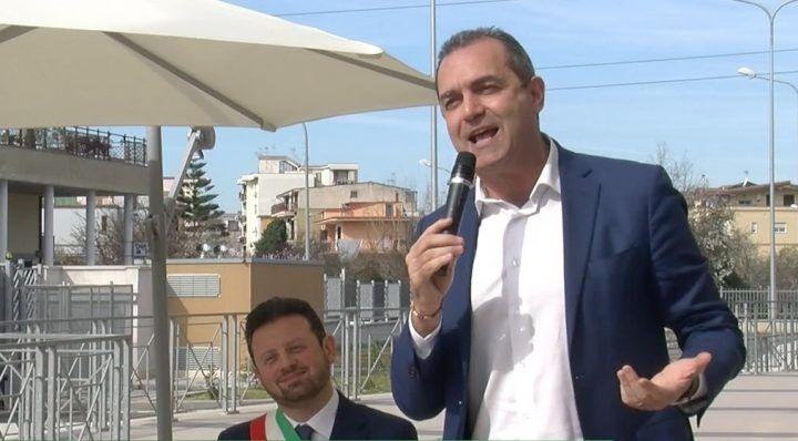 """Mugnano, De Magistris: """"Finanziate altre scuole"""""""