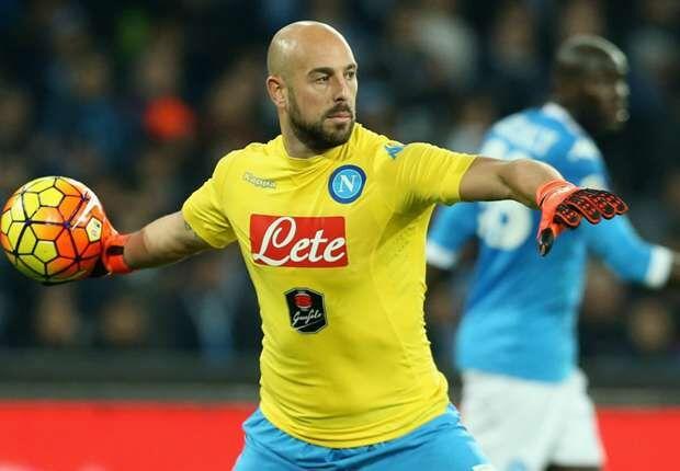 Infortunio per Pepe Reina, il portiere rientra a Napoli