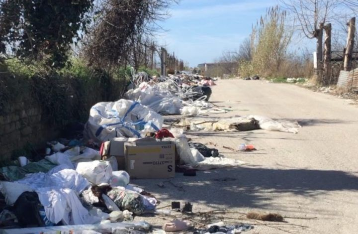 Qualiano-Villaricca, disastro ambientale in via Sambuco