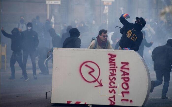 "Scontri per Salvini a Napoli, scarcerati i due manifestanti. Sindaco: ""Città è parte lesa"""