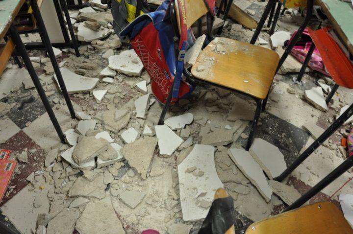 Sarno, crolla il soffitto di un'aula della scuola di via Serrazetta