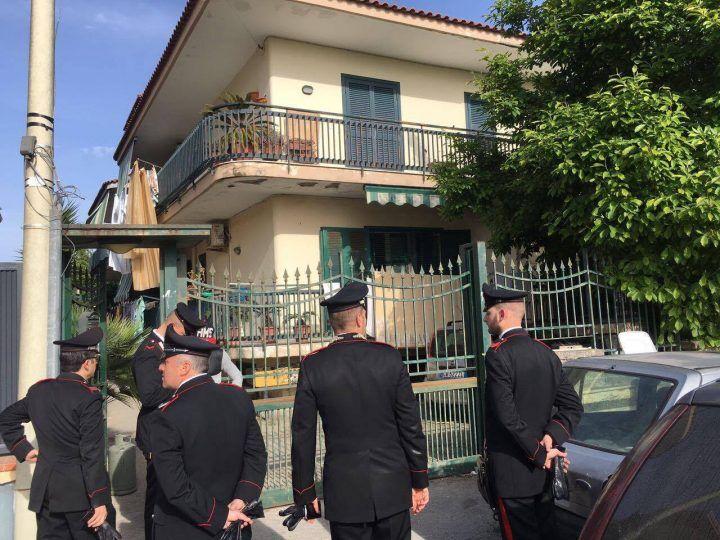 Terrore a Giugliano, in due rapinano furgone. I Carabinieri li scovano a Casacelle