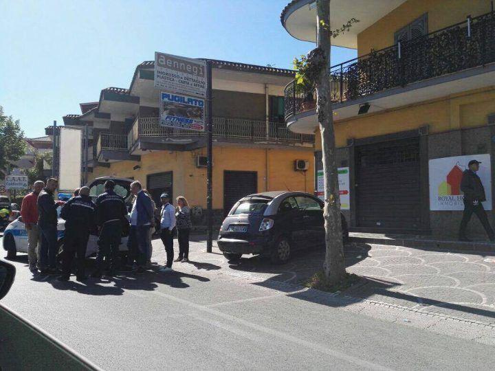 Giugliano, incidente lungo Corso Campano: tre auto coinvolte