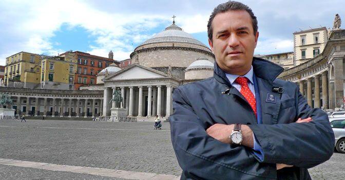 De Magistris fiero di Napoli: tutto esaurito fino al prossimo anno