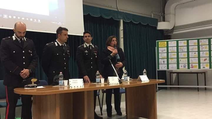 """La Scuola Media Don Salvatore Vitale dice """"no"""" al bullismo e cyberbullismo, incontro con gli studenti"""