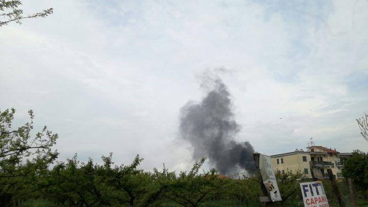 Maxi incendio a Giugliano: nube tossica sulla città