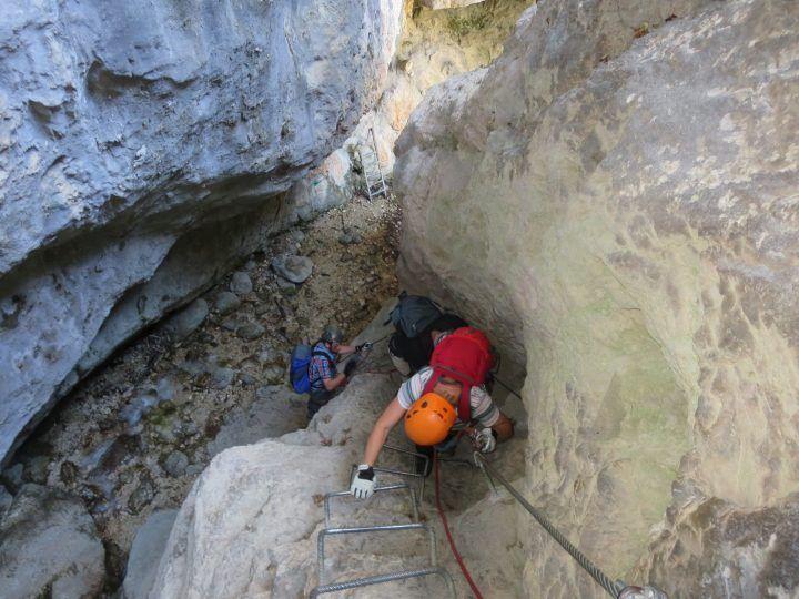 Un 14enne di Mondragone precipita nel vuoto