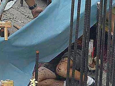 Tragedia al cimitero di Teverola, uomo muore schiacciato da monumento funebre