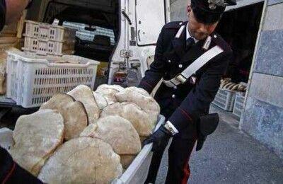 Per festeggiare la cattura dei boss Lo Russo, a via Chiaia si distribuirà pane gratis
