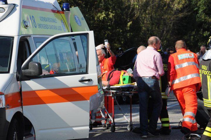 Capri, incidente tra bus e ambulanza che trasportava feriti