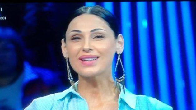 "Anna Tatangelo, insorgono i fan: ""Basta bisturi"""
