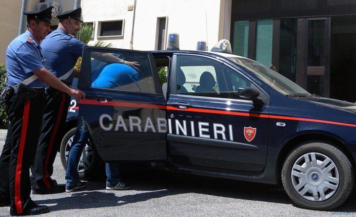 Truffano anziana a Vico Equense, due arresti tra cui un minore