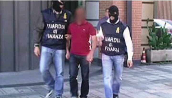 Frattaminore, Casoria, Casavatore: smantellata banda di falsari. 17 arresti. I NOMI