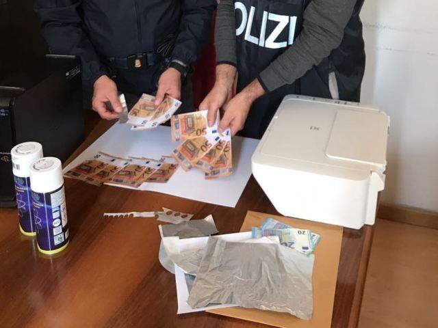 Napoli. Polizia arresta due borseggiatori: uno dei due era in possesso di banconote false