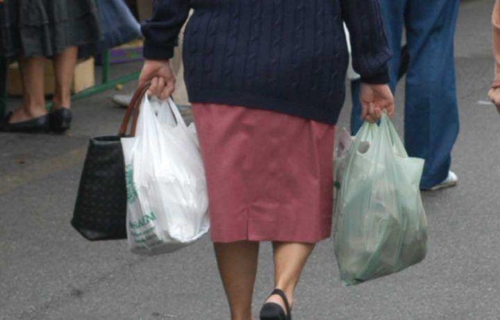 Napoli, 60enne con quasi un chilo di droga nelle buste della spesa