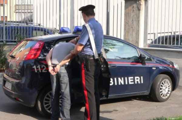 Donna di Marano vittima di estorsione, arrestato 27enne ucraino