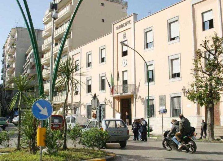 Casoria: boom di assunzioni e dirigenti pagati 20 mila euro al mese. Indaga la Finanza