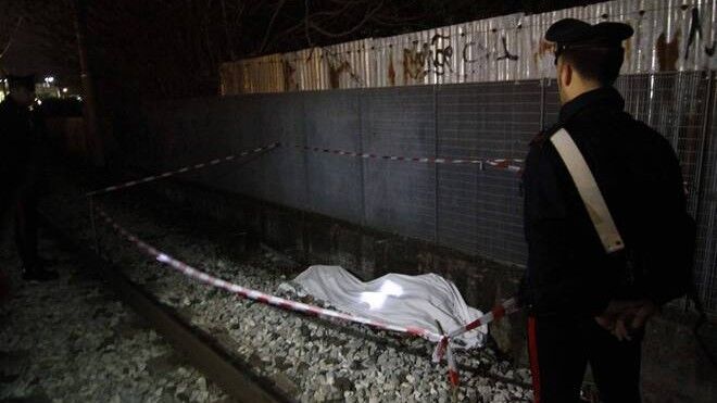 Tragedia in Circumvesuviana: uomo travolto e ucciso mentre camminava sui binari