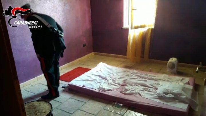 Prostituzione nel centro massaggi: 2 arresti nel napoletano