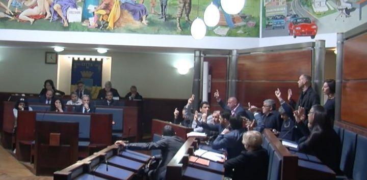 Giugliano. Consiglio, approvato Bilancio 2017